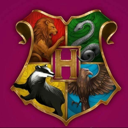 cropped-cropped-cropped-hogwarts4crest